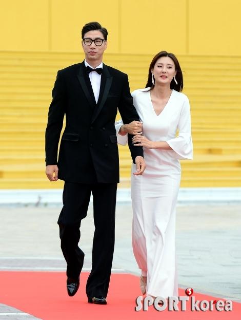 김세진-전혜지 부부 `부부의 날에는 더욱 다정스럽게`