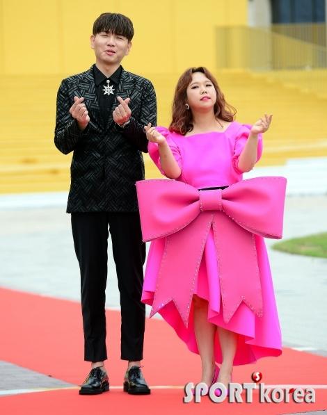 왕리본 홍현희 `제이쓴과 사랑 하트!`