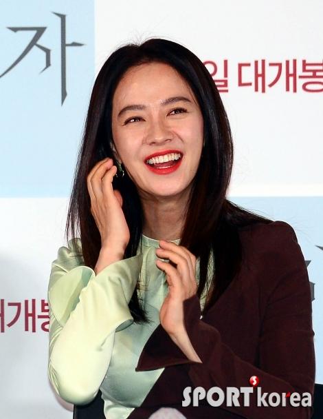 송지효 `해맑은 웃음`