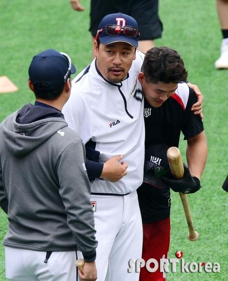 김민재 코치 앞에서 얌전한 배정대!