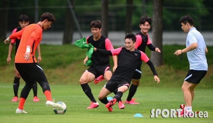 웃음 가득한 `U-19 대표팀 2차 소집훈련`