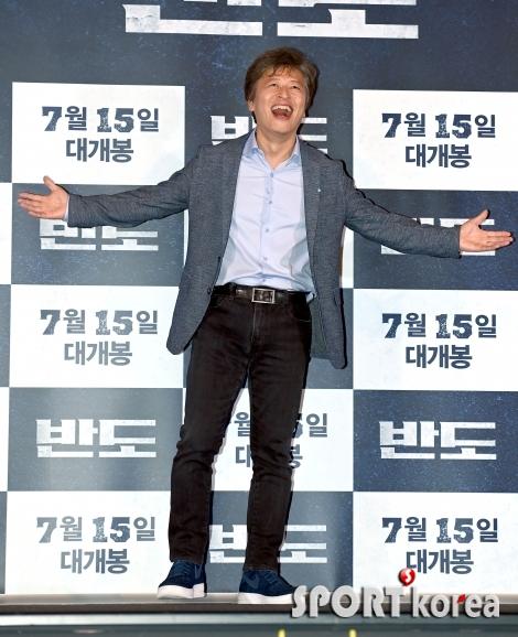 권해효 `극장에서 만나요`
