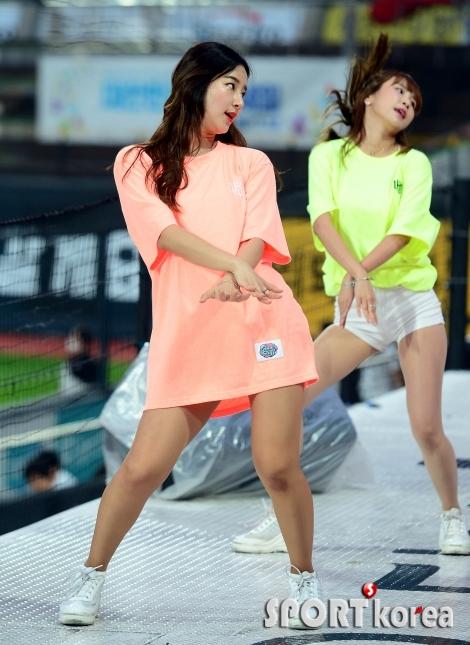 김진아 치어리더 `하의실종 댄스`