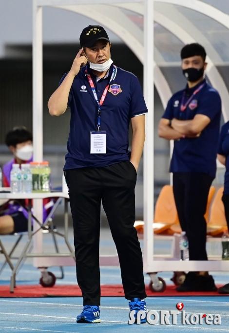 김도균 감독 `머리를 써야지`