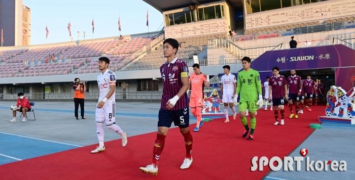 무관중으로 펼쳐지는 수원FC-부산의 `FA컵 16강전`