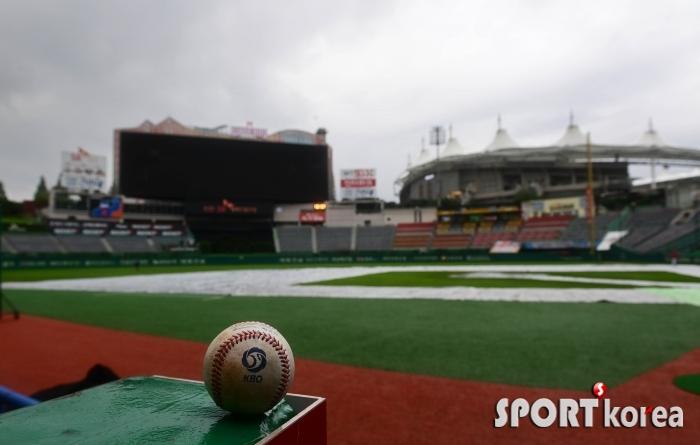 태풍 `장미`로 인해 3경기 우천순연