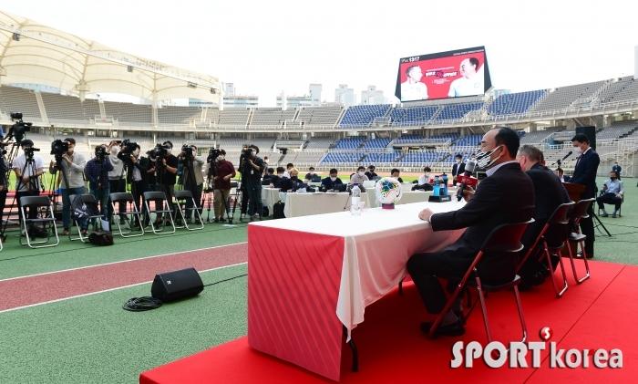 `축구국가대표팀vs올림픽대표팀` 기자회견