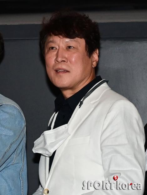 김정균 `눈빛으로 승부하는 포토타임`