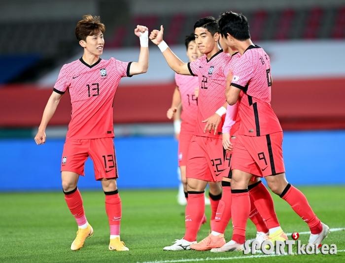 축구국가대표팀 `이주용의 골로 1-0 앞서 나가`