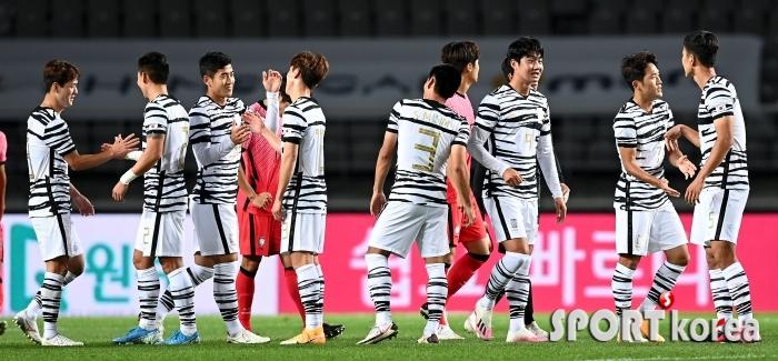 축구국가대표팀, 올림픽대표팀에 3-0 승리!