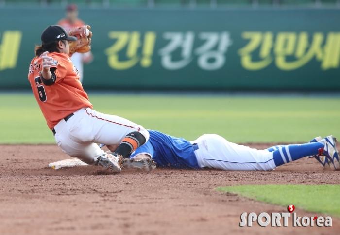 도루왕 박해민, 도루에 좌완 투수도 문제없어요.