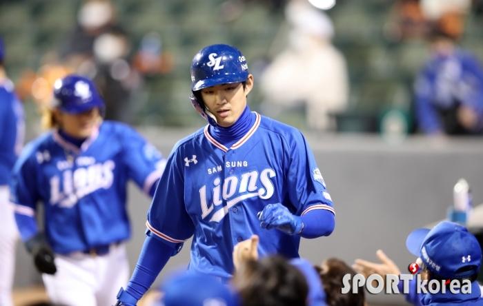 삼성 구자욱, 역전 3점 홈런 날렸습니다.