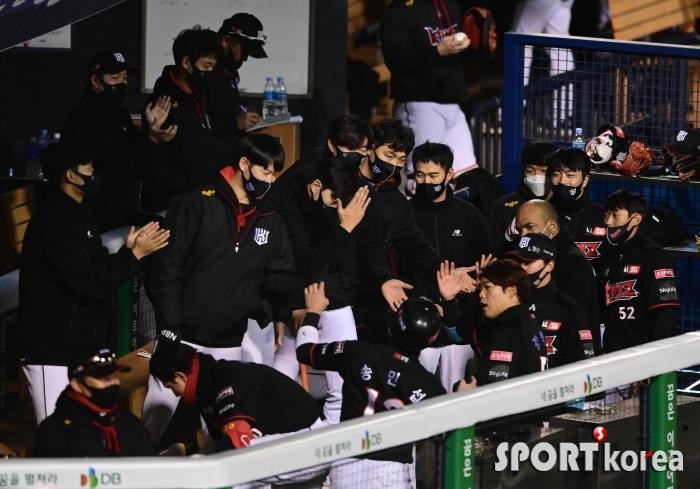 KT 창단 첫 포스트시즌이 눈 앞