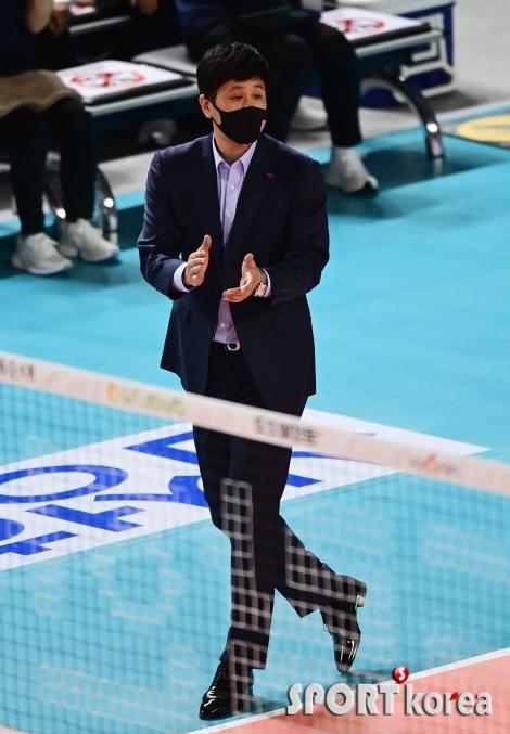 김종민 감독 `잘하고 있어`