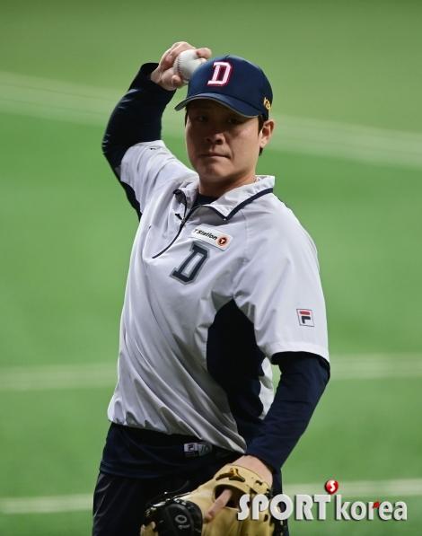 박세혁 `가볍게 캐치볼로 시작`