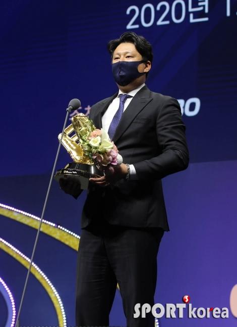 김강 코치 `로하스의 골든글러브 대리 수상`