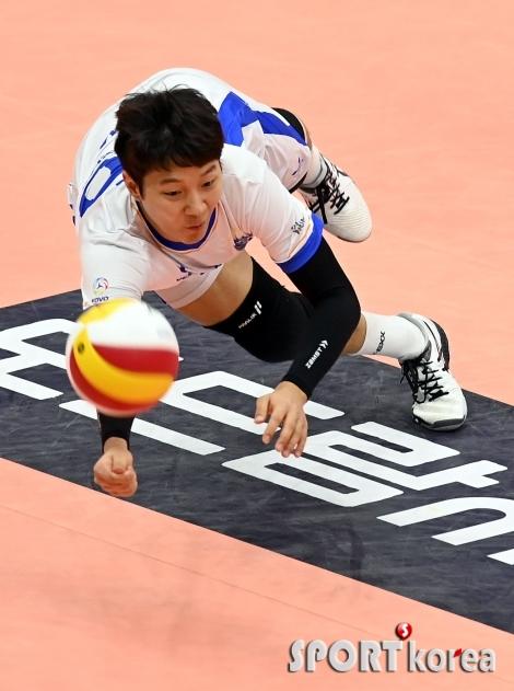 박지훈 `리시브 성공`