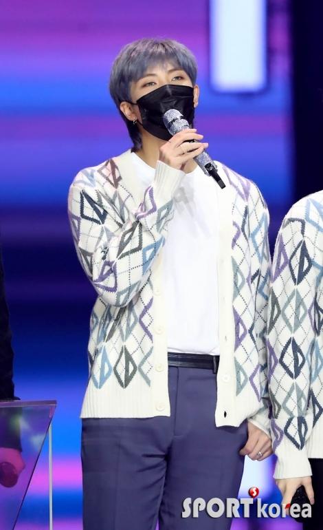 방탄소년단 RM `본상 수상했어요`