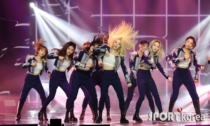 이달의 소녀 `소녀들의 무대`