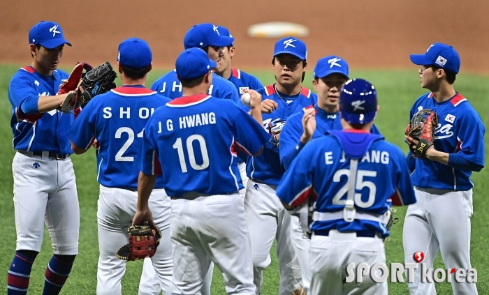 올림픽 야구대표팀의 첫 평가전 `9-0 완승`