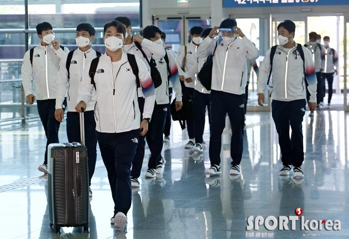 야구대표팀 `금메달을 향해 일본으로 출국!`